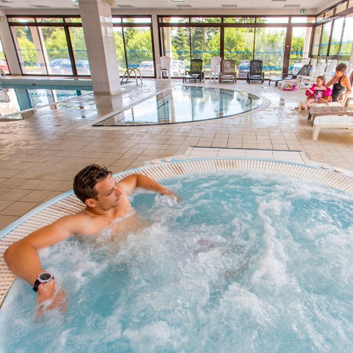 village vacances piscine fournols d auvergne