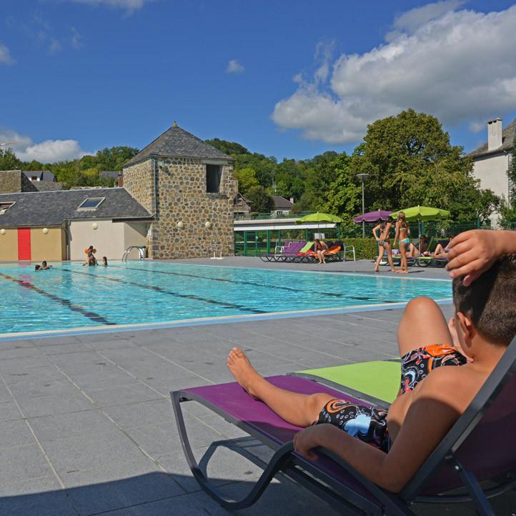 village vacances piscine brommat en carladez 2